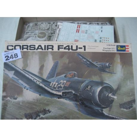 Revell Corsair F4 9-1 Big 1/32 Kit
